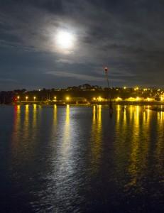Cameret moonlight